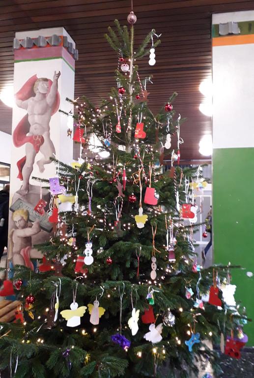 Wieso Tannenbaum Weihnachten.Der Tannenbaum Steht Weihnachten Kann Kommen Max Planck